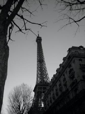 โฮเต็ล เดอ วาเรนเน่: view from Rue de Granelle