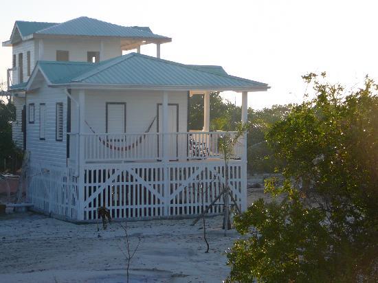 Driftwood Lodge: loges sur la plage!