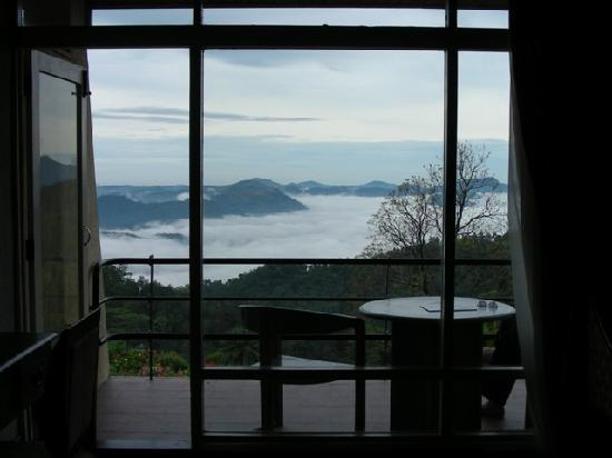 Elkaduwa, Sri Lanka: Balcony view on a foggy morning