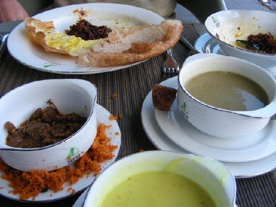 Elkaduwa, Шри-Ланка: we loved the Sri Lankan breakfast