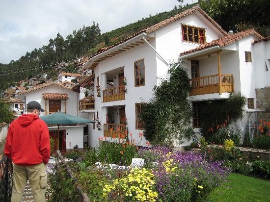 B&B-Hotel Pension Alemana: Hotel and Garden