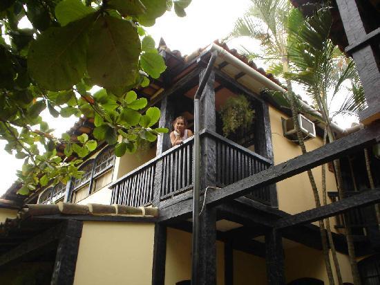 Hotel Mandragora: Balcón de la habitación que da a una plaza