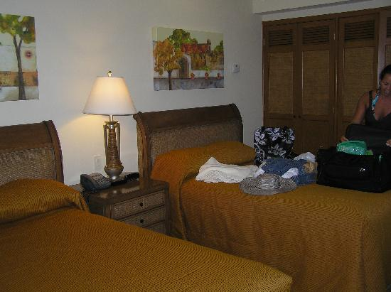 The Royal Haciendas All Suites Resort & Spa: Lockoff Double Beds