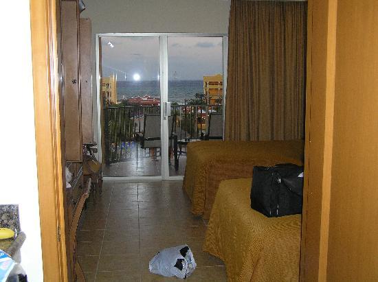 The Royal Haciendas All Suites Resort & Spa: Lockoff Entry View