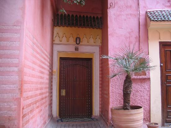 Riyad Al Moussika: The doors that hide the wonderful Riads behind
