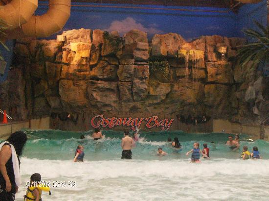 Cedar Point's Castaway Bay: Wavepool