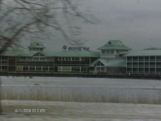 Cedar Point's Castaway Bay : Exterior of Hotel