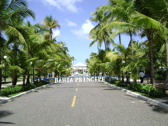 Grand Bahia Principe San Juan: looking towards the hotel from the street.