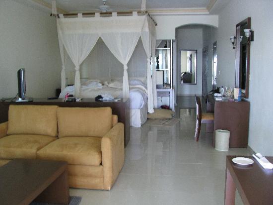El Dorado Maroma, a Beachfront Resort, by Karisma : swip up room