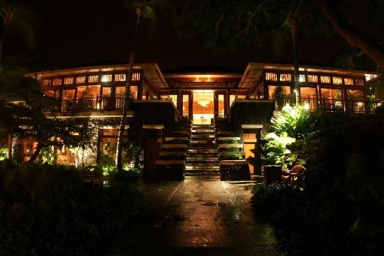 Four Seasons Resort Hualalai Lobby At Night