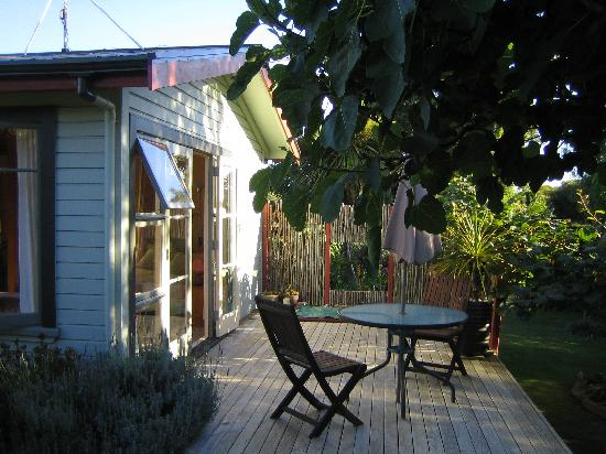 Rowan Cottage: Private decking area outside studio room