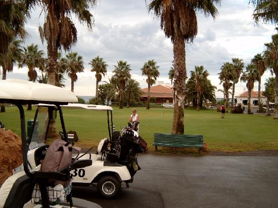 Royal Tenerife Country Club: Golf de sur club house