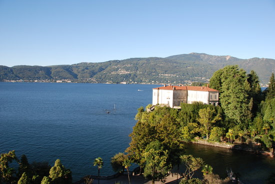 Verbania, İtalya: Looking from the room toward Stresa...