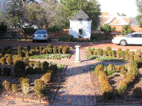 A cute little garden in the back of the Sidney Lanier Cottage