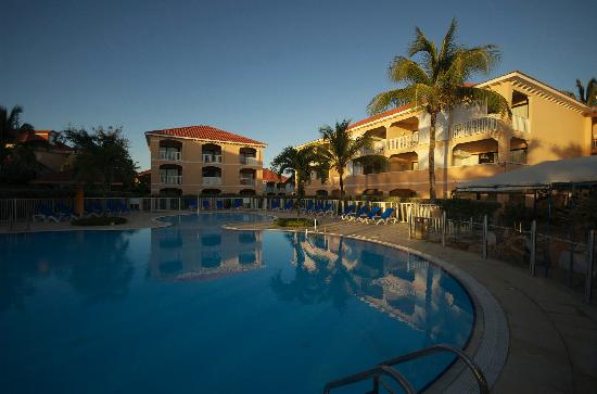 Le Flamboyant Hotel and Resort : Good size swimming pool