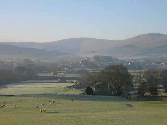 Stone House Hotel: Hawes from the hotel