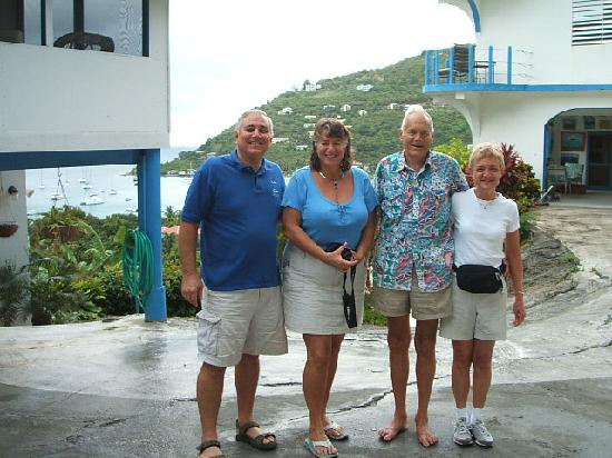 Agape Cottages: Here I am with our Agape hosts!