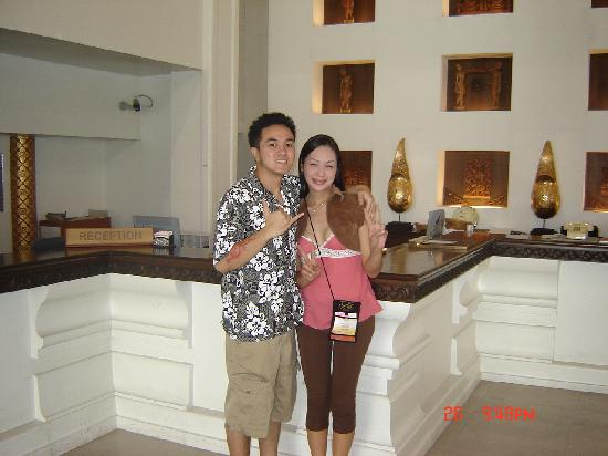 BP Chiang Mai City Hotel: us at the front desk lobby