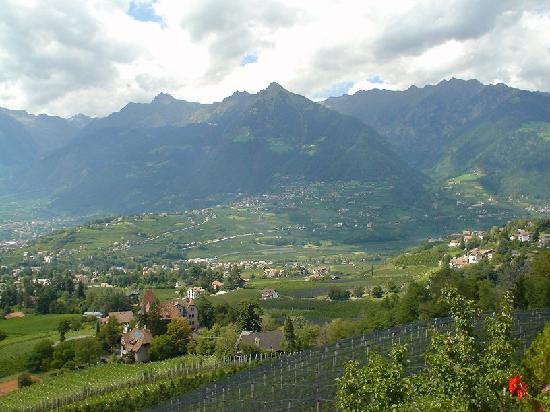 Landhaus Weger: Looking down to Merano from the hotel