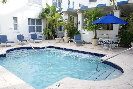 La piscine picture of blue moon hotel autograph for Blue piscine hannut