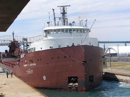 Soo Locks: More massive freighters