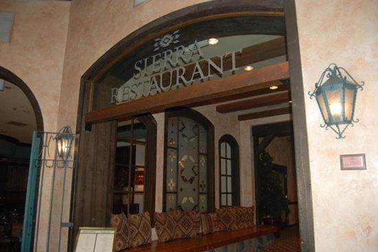 Sierra Restaurant Tenaya Lodge : Sierra Restaurant at the Tenaya Lodge