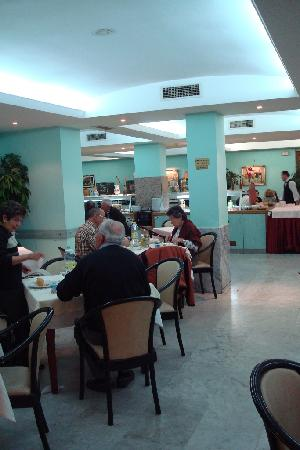 Marina Sur Hotel: Restaurant