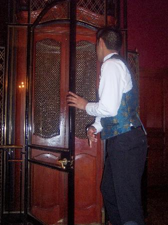 Club 33: The Lift