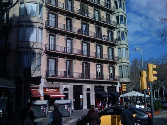Gastehaus Gran Via: Building