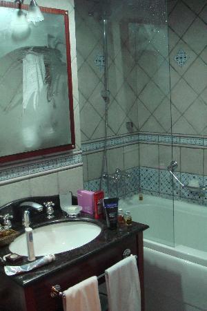 Sirkeci Mansion: Bathroom at Sirkeci Konak