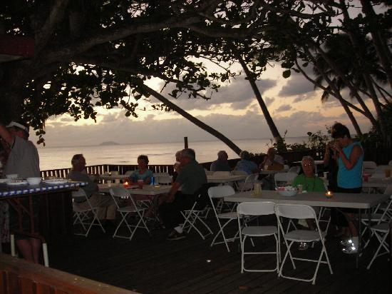 Parador Villa Antonio: Sunset potluck