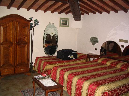 Hotel Villa Liberty : Open Beam Ceiling Room 15