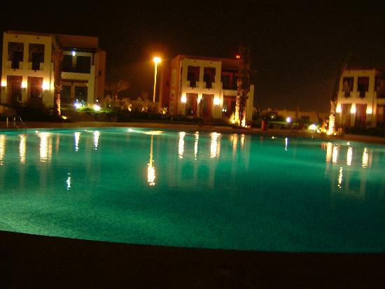 Hilton Ras Al Khaimah Resort & Spa: One of the pools at night