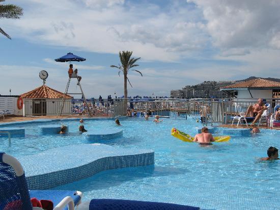 Sunwing Arguineguin Seafront: The pool area
