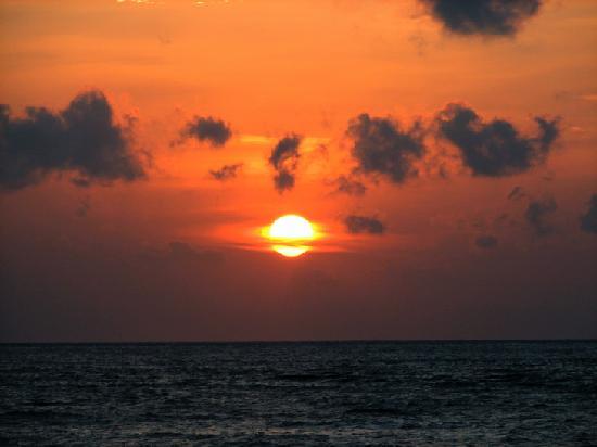Alang-Alang Boutique Beach Hotel: Sunset from Alang-Alang, Lombok