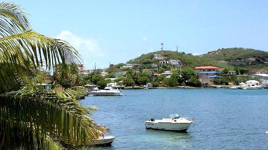 Villa Fulladoza Guest House: Bay