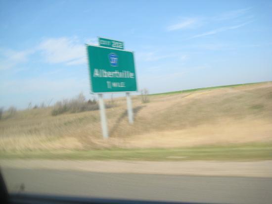 แอลเบิร์ตวิลล์, มินนิโซตา: Albertville 1 mile
