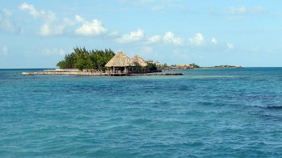 Coco Plum Island Resort : Nextdoor Island