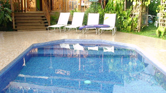Garden of Eden Inn: The Pool