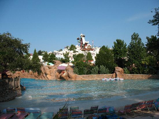 Melt Away Bay Wave Pool Picture Of Disney S Blizzard