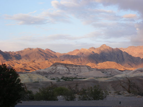 Death Valley Junction, CA: Dusk in Death Valley
