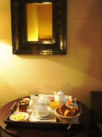 Le Boutique Hotel Garonne: Continental Breakfast at Hotel Garonne