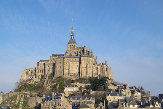 Mont-Saint-Michel, Prancis: Mont-St.-Michel from the causeway