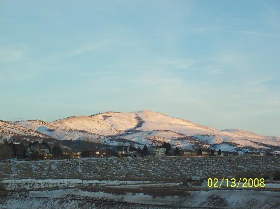 Hampton Inn & Suites Pocatello: View east from Room