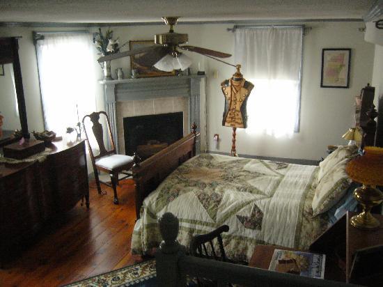 Dr. Jonathan Pitney House : Jonathon Room