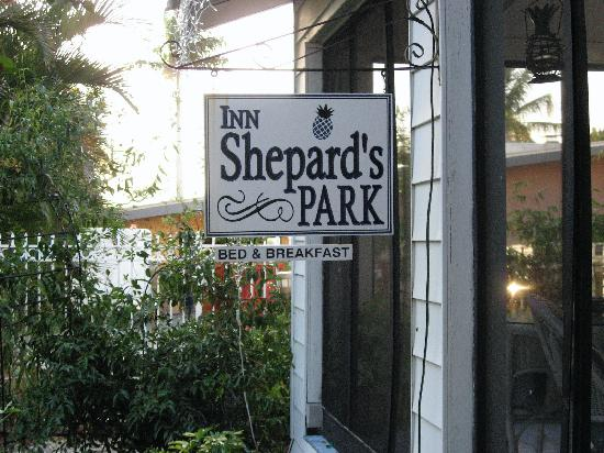 Inn Shepard's Park Bed and Breakfast: Front signage of the Inn
