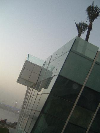 InterContinental Dubai Festival City: Swimming Pool - extension and glass wall