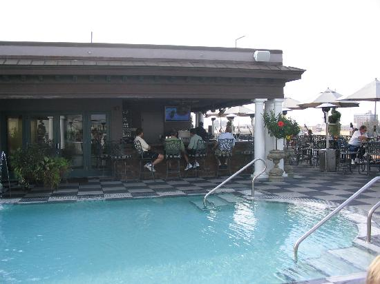 Market Pavilion Hotel: Rooftop Bar And Pool