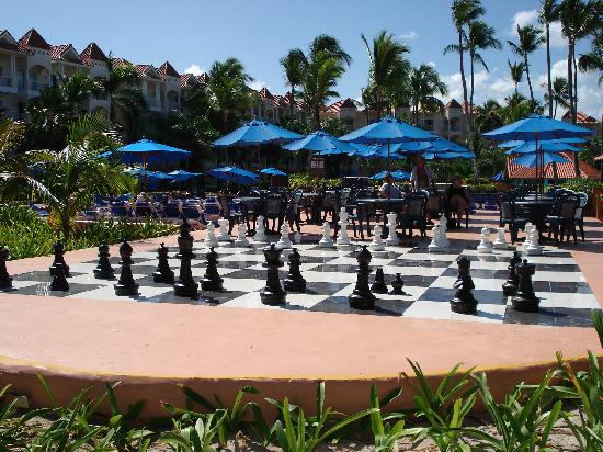 Occidental Caribe: jeu d'échec grandeur nature