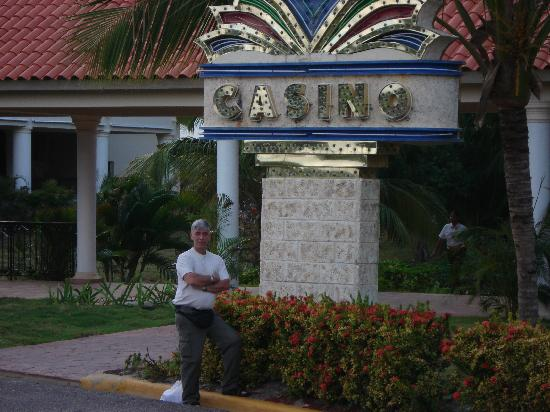 Occidental Caribe: devant l'entrée du casino